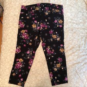 Torrid: Capri Floral Dress Pant